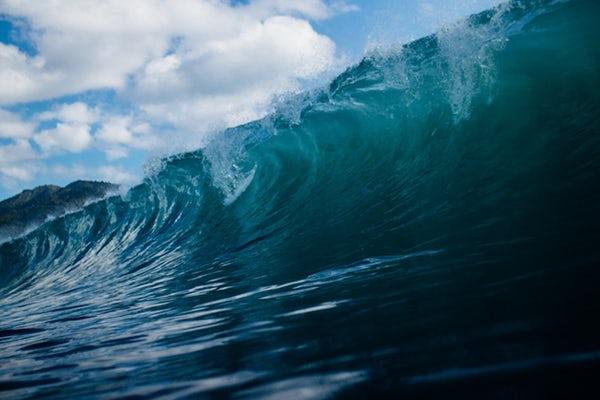 large ocean wave dream
